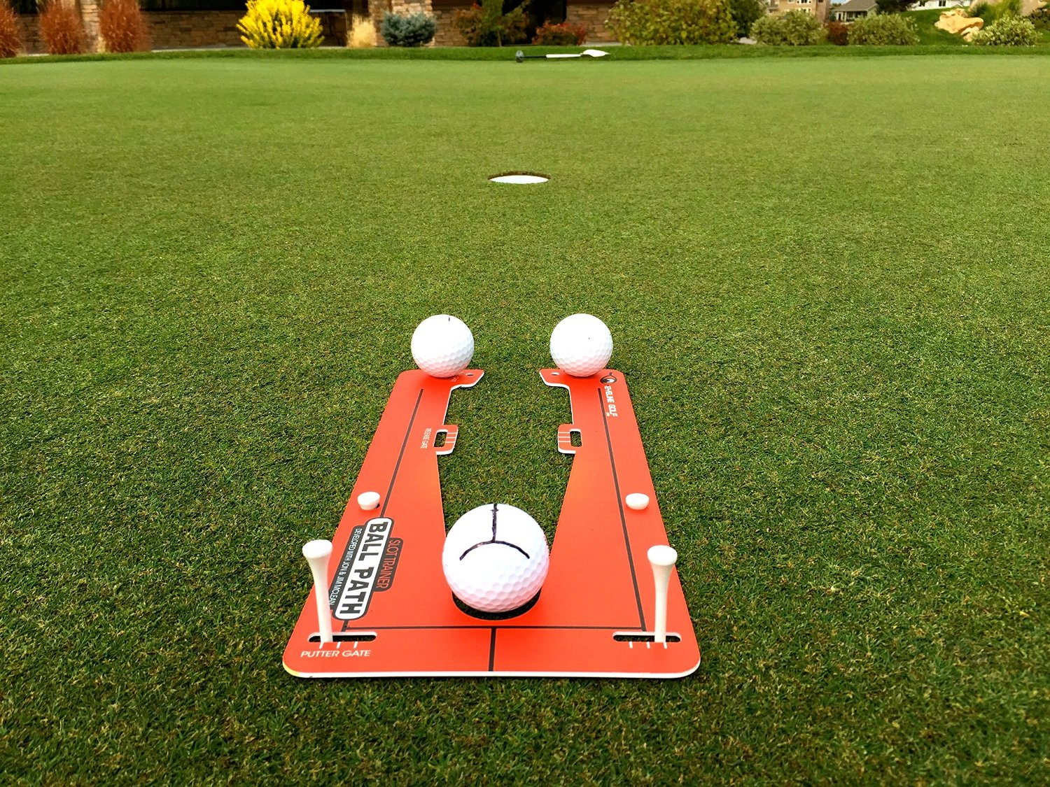 Eyeline Golf Slot Trainer Putting System by Jim McLean